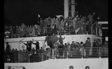 Migrants On Board Castel Verde Departing Trieste Italy For Australia 1953 1954 8425195213