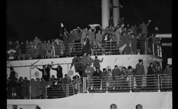 Migrants On Board Castel Verde Departing Trieste Italy For Australia 1953 1954 8425195213