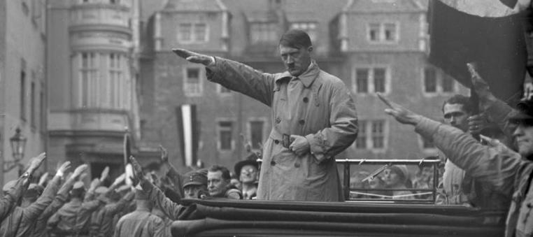 Bundesarchiv Bild 102-10541 Weimar Aufmarsch der Nationalsozialisten