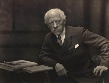784px-Portrett av Fridtjof Nansen 1922